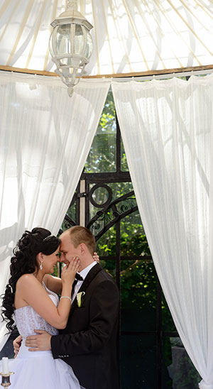 Outdoor Curtains-Wedding Couple,Lanai With Curtains DIY Project